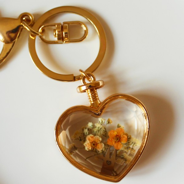 Schlüsselanhänger Herz mit Blume Köln apricot